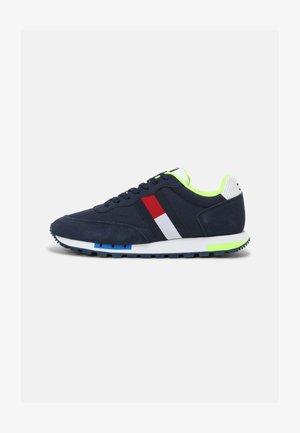 RETRO MIX POP RUNNER - Sneakers - twilight navy