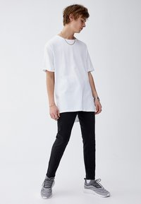PULL&BEAR - Džíny Slim Fit - black - 1