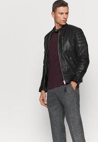 Schott - MARTIN - Leather jacket - black - 4