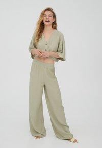 PULL&BEAR - Trousers - green - 1