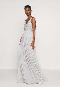 Lace & Beads Tall - MUMULAN MAXI - Galajurk - light grey - 1