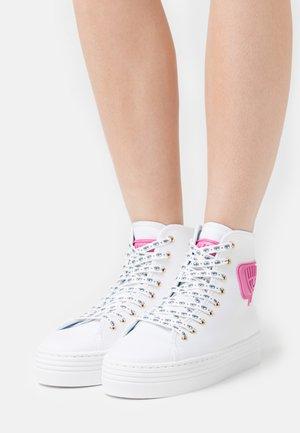 EYE LIKE - Sneakers hoog - white