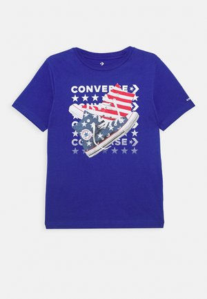 AMERICANA SHOES TEE - Camiseta estampada - converse blue