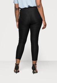 Vero Moda Curve - VMAUGUSTA SKINNY SOLID PANT - Leggings - Trousers - black - 2