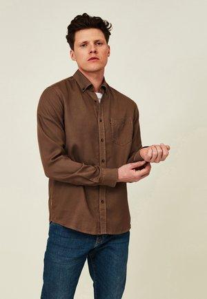 AUGUST - Formal shirt - brown