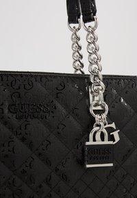 Guess - QUEENIE TOTE - Tote bag - black - 2