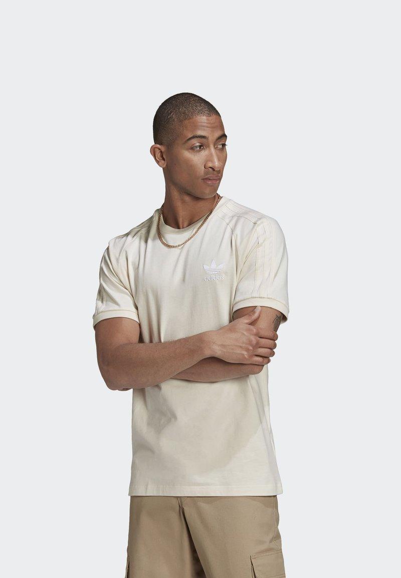 adidas Originals - ADICOLOR 3-STRIPES NO-DYE T-SHIRT - T-shirt basique - white
