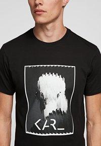 KARL LAGERFELD - LEGEND LOGO  - Print T-shirt - black - 2