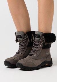 UGG - ADIRONDACK II - Winter boots - charcoal - 0