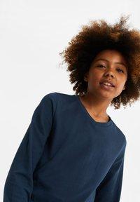 WE Fashion - REGULAR FIT - Langærmede T-shirts - dark blue - 1