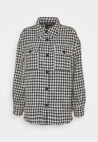 JAPI - Short coat - black