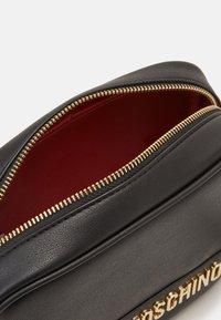 Love Moschino - BORSA SMOOTH - Across body bag - black - 3
