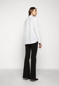WEEKEND MaxMara - BRONZO - Button-down blouse - weiss - 2