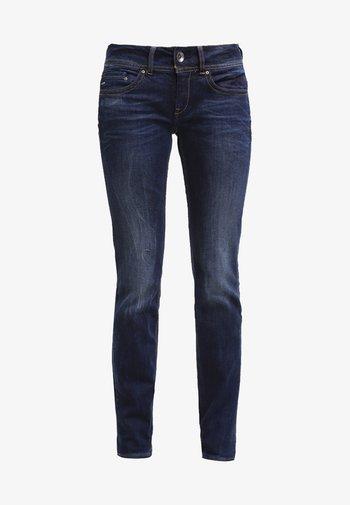 MIDGE SADDLE MID STRAIGHT  - Straight leg jeans - denim