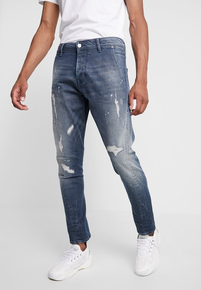 LOGIC NEWWEST - Vaqueros boyfriend - blue denim