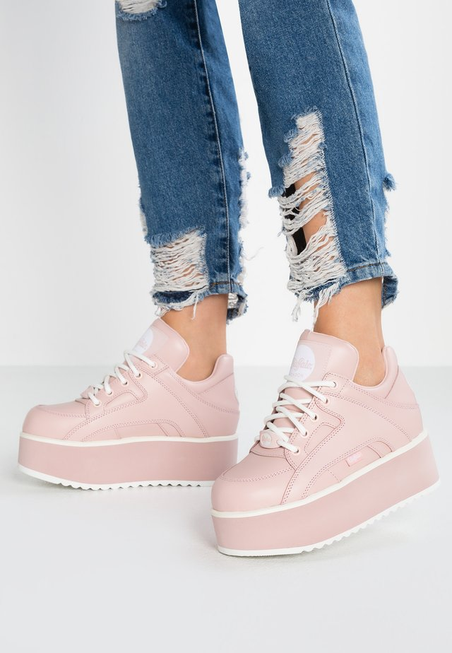 Baskets basses - baby pink