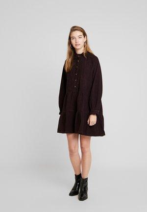 ENALASKA DRESS - Vapaa-ajan mekko - fudge