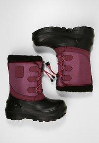 Viking - ISTIND - Zimní obuv - dark pink/black - 0