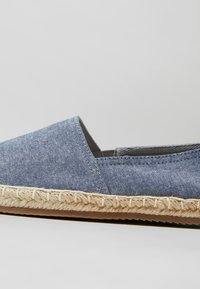 Zalando Essentials - Espadrilles - blue - 5