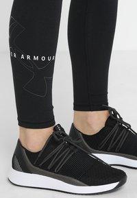 Under Armour - FAVORITE BIG LOGO LEGGING - Collant - black/white - 3