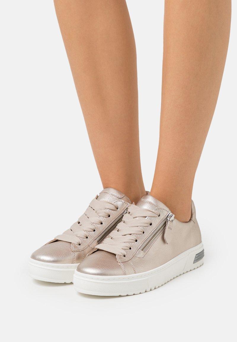 Gabor Comfort - Sneakers laag - puder