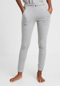 Tommy Hilfiger - ORIGINAL CUFFED PANT - Pyjama bottoms - grey heather - 0