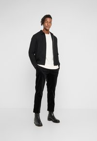 YMC You Must Create - HAND ME DOWN TROUSER - Kalhoty - black - 1