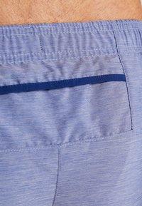 Nike Performance - CHALLENGER SHORT - Pantalón corto de deporte - blue void/heather/silver - 4