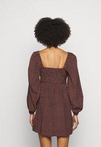 Faithfull the brand - SHANNALI MINI DRESS - Denní šaty - bonnie dot print - 2
