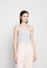 BDG Urban Outfitters - STRAPPY BUNGEE BODY THONG STRAP - Top - surf spray - 1