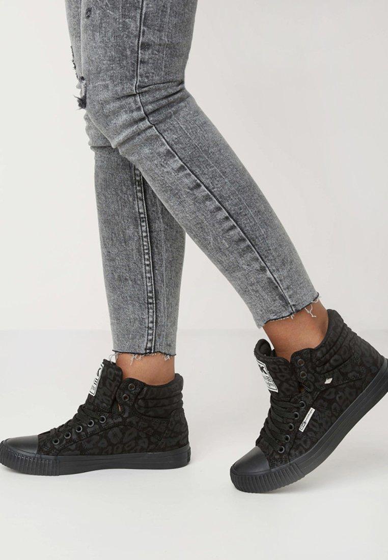 British Knights - DEE - Sneakers hoog - black
