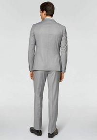 Conbipel - SLIM FIT - Completo - grigio chiaro - 2
