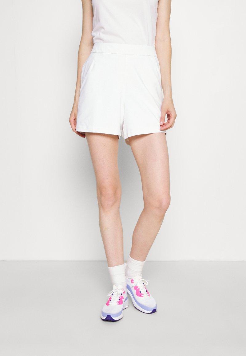 Nike Golf - FLEX SHORT - Sports shorts - white