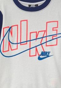 Nike Sportswear - COLOR BLOCK CREW SET - Tracksuit - blue void - 3