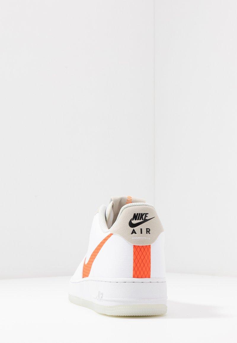 Alabama bandera nacional Pebish  Nike Sportswear AIR FORCE 1 '07 LV8 - Sneaker low - white/total orange/summit  white/black/weiß - Zalando.de