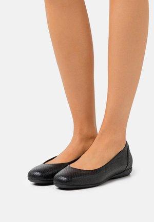 ANNYTAH - Ballet pumps - black