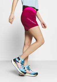 Dynafit - TRANSALPER HYBRID SHORTS - Sports shorts - beet red - 3