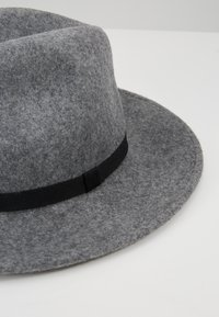 Paul Smith - WOMEN HAT FEDORA - Hat - grey - 5