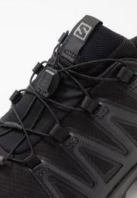 Salomon - XA PRO 3D V8 GTX - Scarpe da trail running - black/phantom - 5