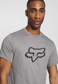 Fox Racing - LEGACY HEAD TEE - Print T-shirt - grey - 4
