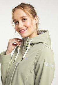 Schmuddelwedda - Soft shell jacket - pastelloliv - 3