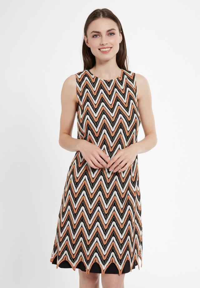 CERESA - Korte jurk - braun