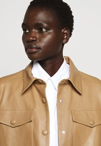 Rika - PARIS JACKET - Leather jacket - light brown - 6