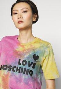 Love Moschino - TIE DYE SHIRT - Print T-shirt - color - 4