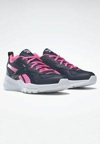 Reebok - XT SPRINTER - Stabilty running shoes - blue - 2