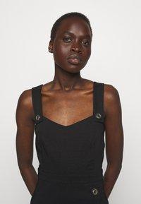 Pinko - ALLEGRO ABITO  - Pouzdrové šaty - black - 4