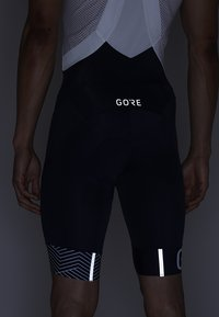 Gore Wear - C5 OPTILINE KURZE TRÄGERHOSE - Tights - marine blue/white