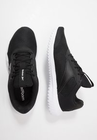 Reebok - FLEXAGON ENERGY TR 2 - Trainings-/Fitnessschuh - black/white - 1
