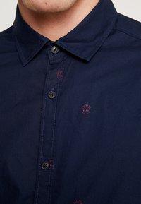 Scotch & Soda - BLAUW LIGHT WEIGHT SHIRT WITH PRINTS - Overhemd - combo - 4