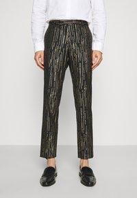 Twisted Tailor - SAGRADA SUIT - Completo - black/gold - 4
